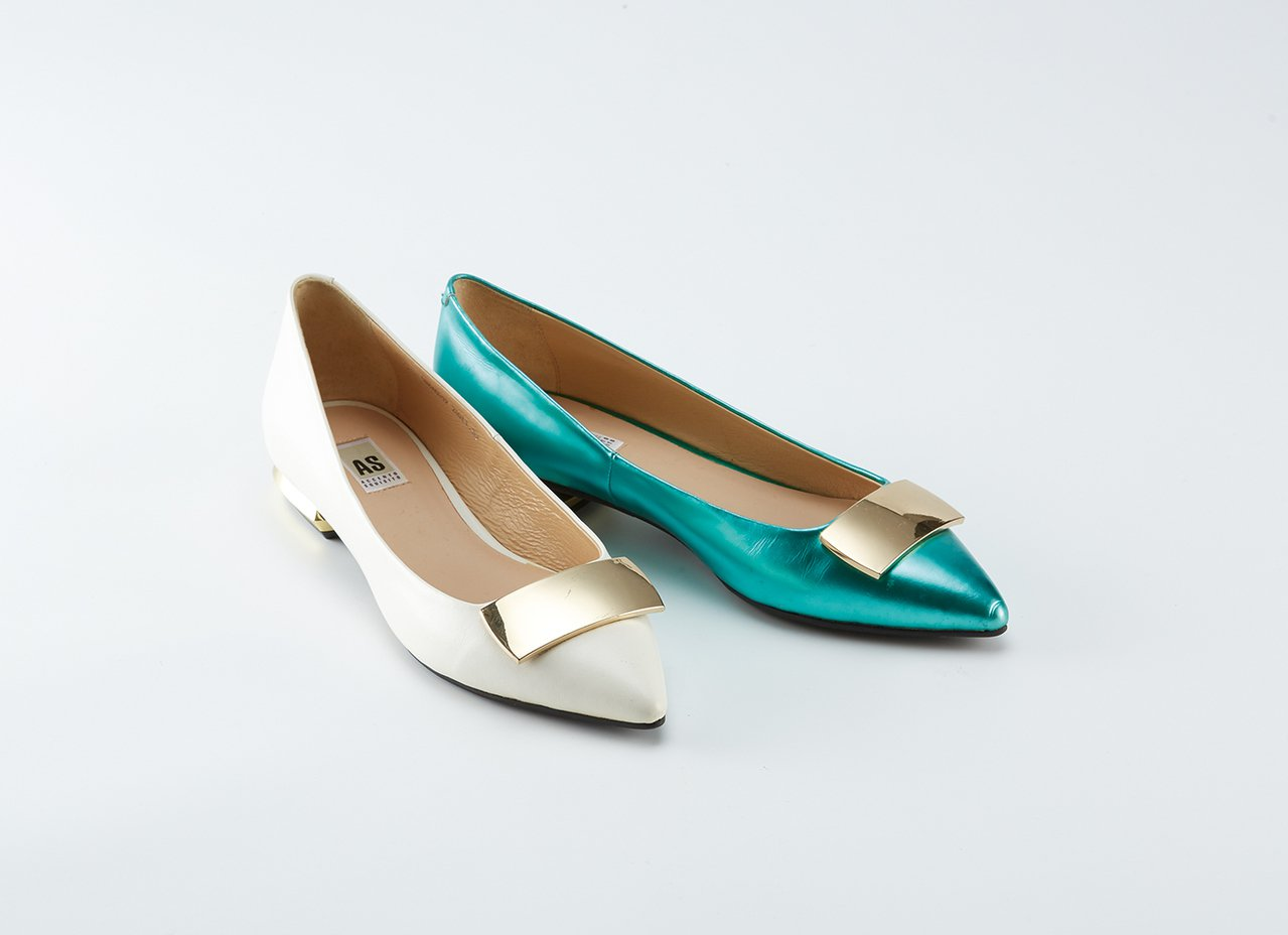 MODA時尚漆皮包鞋原價3,880元,特價1雙3折。圖/SOGO提供