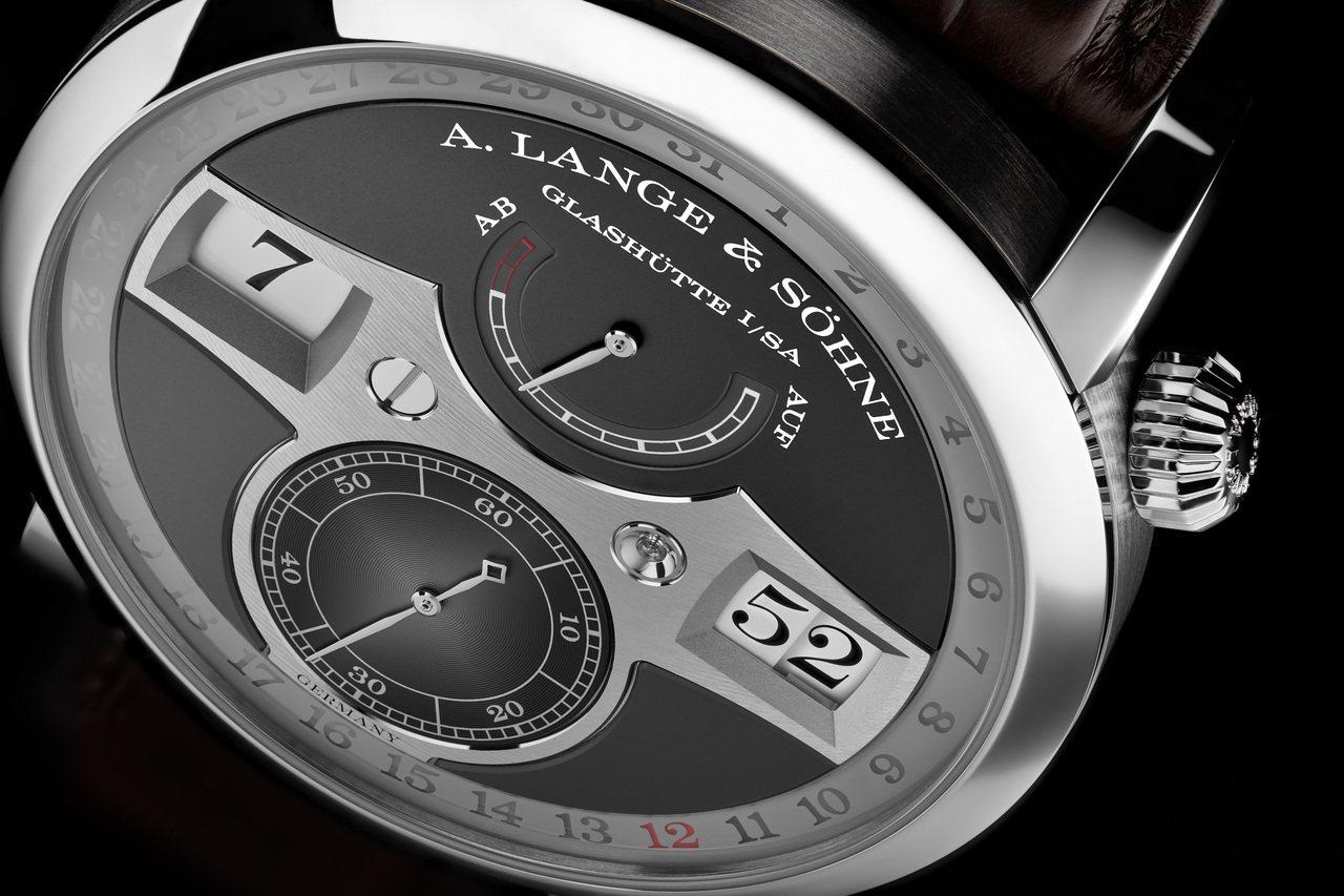 朗格Zeitwerk Date腕表,291萬5,000元。圖/朗格提供