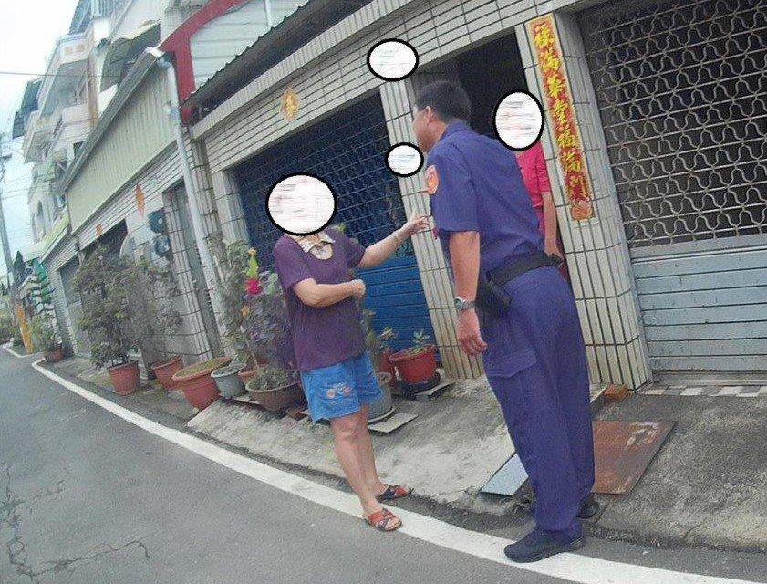 屏東縣東港鎮黃姓婦人接到「未知來電號碼」的詐騙電話,員警接獲報案前往了解,說明是...