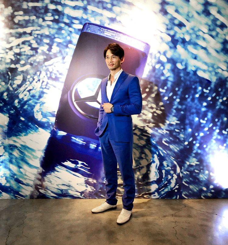 溫昇豪為Mercedes-Benz賓士香水全新男香「仲夏之水」站台。圖/夏利夫提...