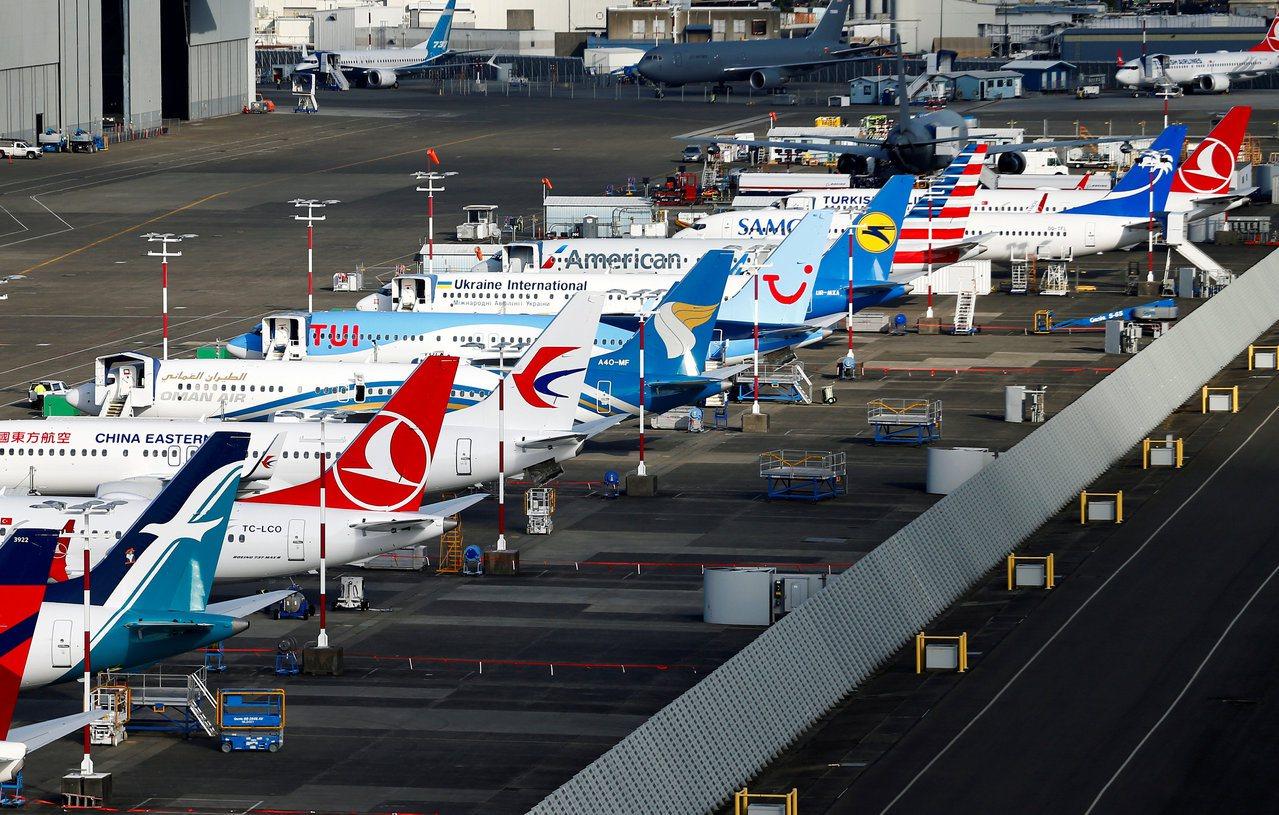 波音737 Max禁飛影響大,惠譽警告波音前景不明朗,穆迪則將信評展望從「穩定」...