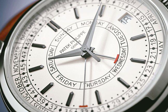 百達翡麗編號5212A-001週曆不鏽鋼腕表,表盤手寫風格字體洋溢書卷氣息。 圖...