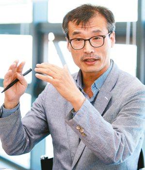 韓鐵科技研發也應用在提升準點率上。KRRI首席研究員吳錫文(圖)指出,他們對韓鐵...
