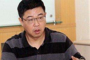 腹背受敵才會贏 <u>胡幼偉</u>:韓國瑜贏大選是一齣黑色喜劇