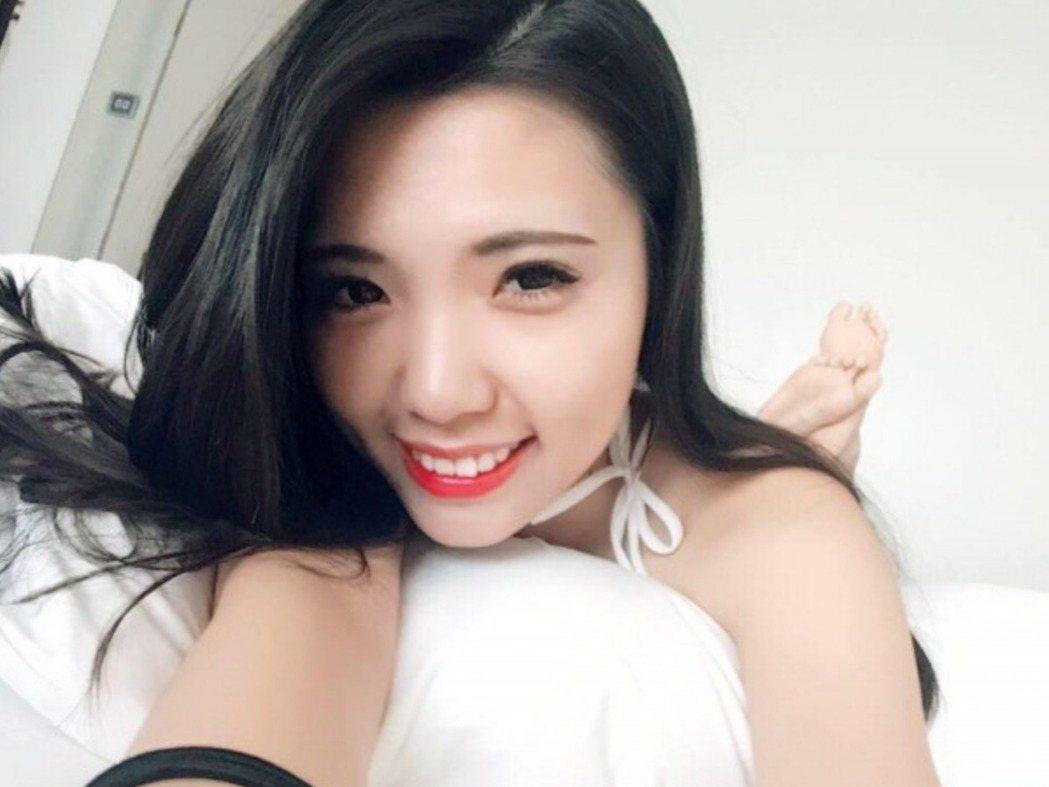 葉芝邑被外界戲稱為「戳戳妹」。 圖/摘自葉芝邑臉書