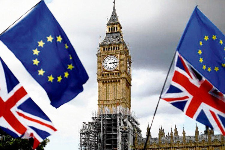 據目前民調顯示,英國前外交大臣強森將於今(24)日將正式成爲英國首相。法人認爲,短期政治面恐增添英國股債匯市波動...