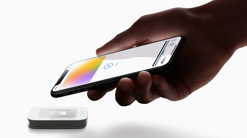 Apple Card是實體卡,也是行動支付工具。圖/蘋果提供