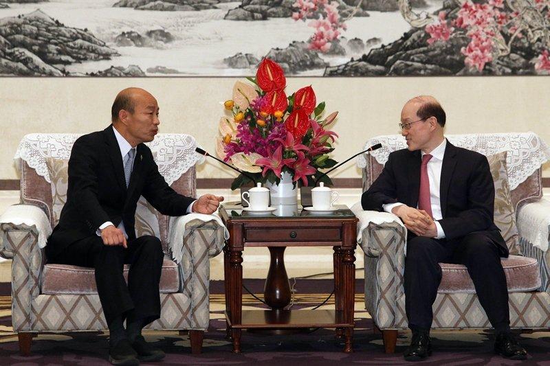 圖為3月25日,韓國瑜與中國國台辦主任劉結一在深圳麒麟苑九洲廳會面。 圖/聯合報系資料照