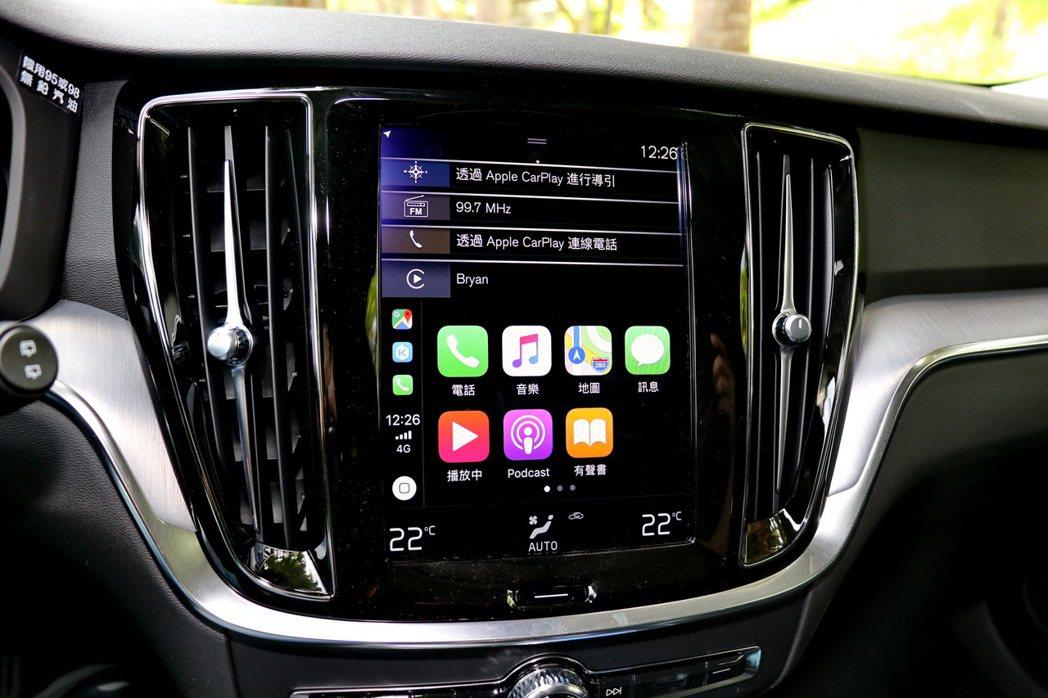 中控台搭載9吋觸控螢幕支援Android Auto及Apple CarPlay等...