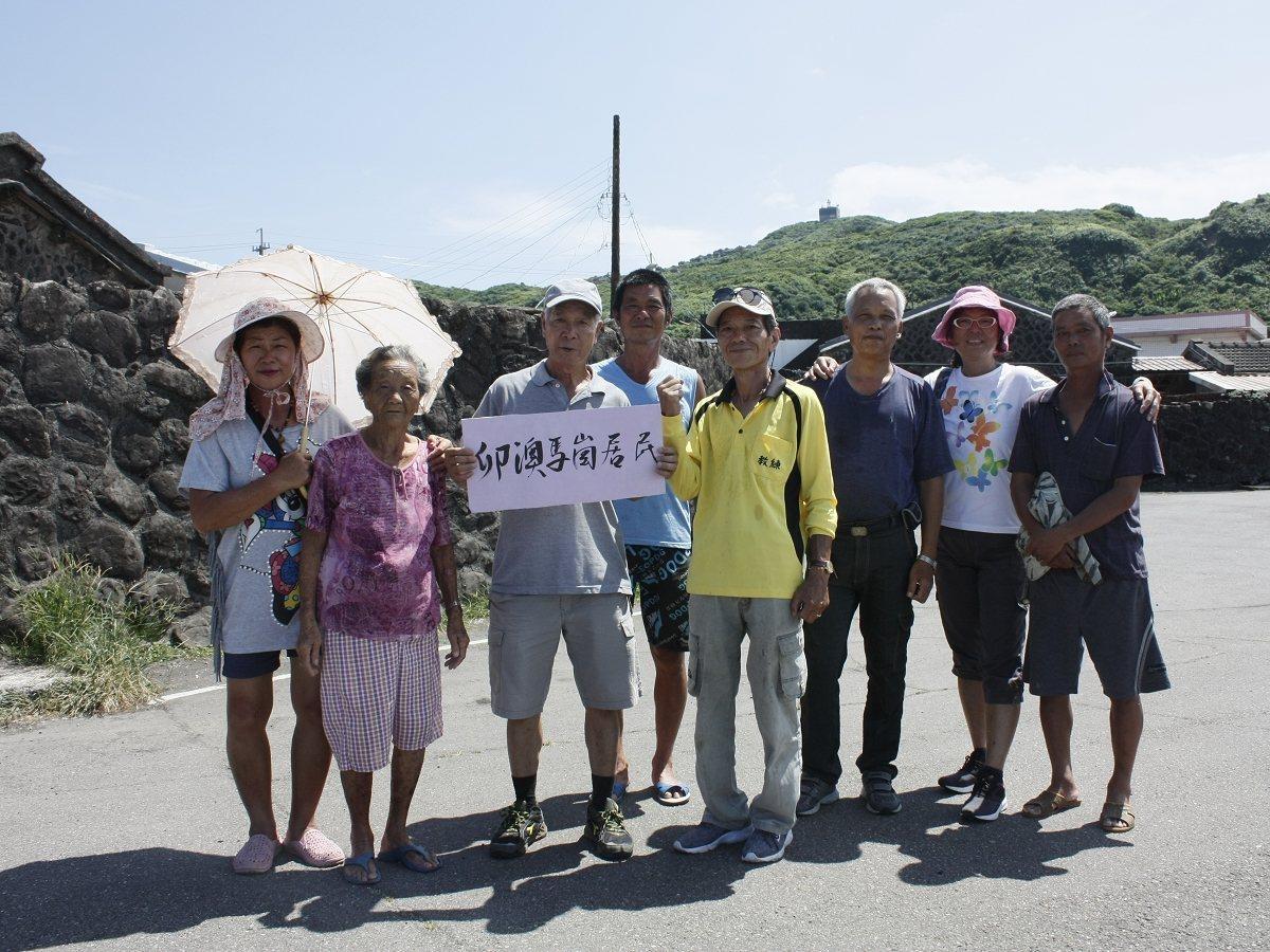 貢寮區的卯澳灣要重啟遊艇碼頭計畫,社區居民組成自救會,自22日開始連署,得到上萬...