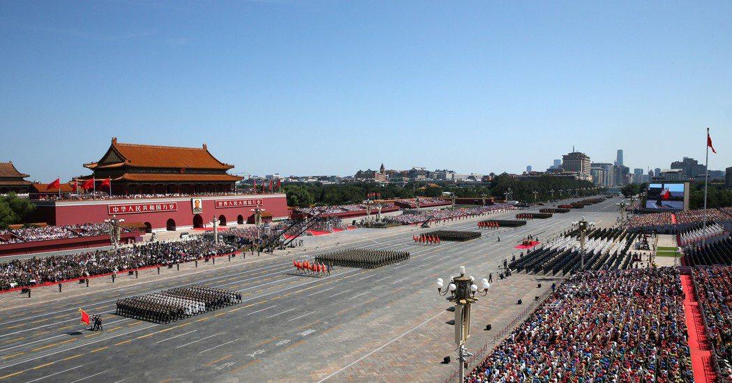 中共國防部24日在「新時代的中國國防」白皮書上指出,中共鞏固國防和強大軍隊,永不...