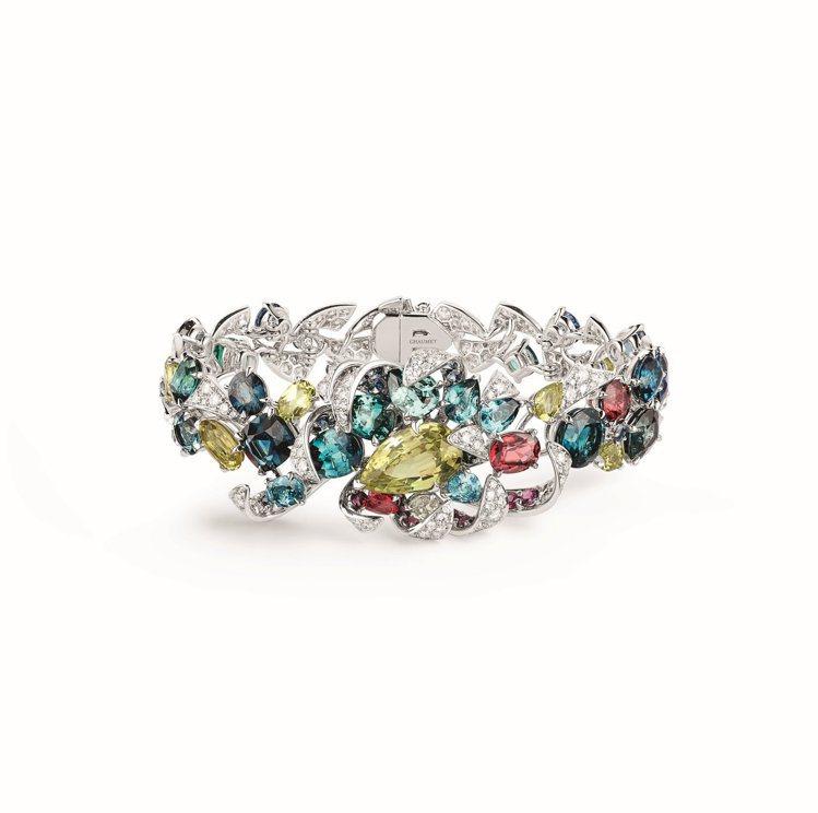 Soleil de Minuit 18K白金手鐲,鑲嵌5顆梨形金綠寶石、1顆2....