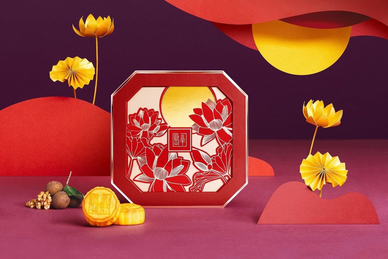 半島精品店今年首度在台與全球同步推出「星廚月餅禮盒」,由米其林星級主廚、半島酒店...