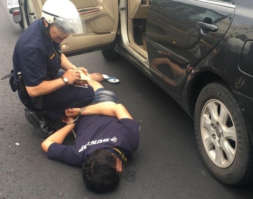 胡男遭警方逮捕。圖/報系資料照