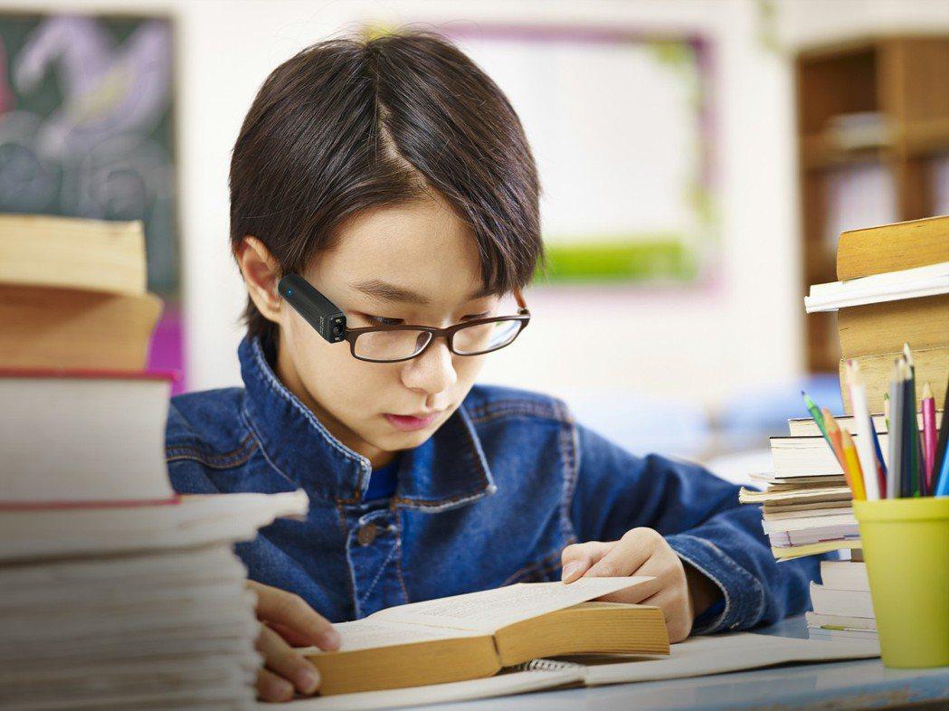 中華民國眼科醫學會理事王孟祺表示,臨床上當醫療無法幫助低視能或視障人士時,透過輔...