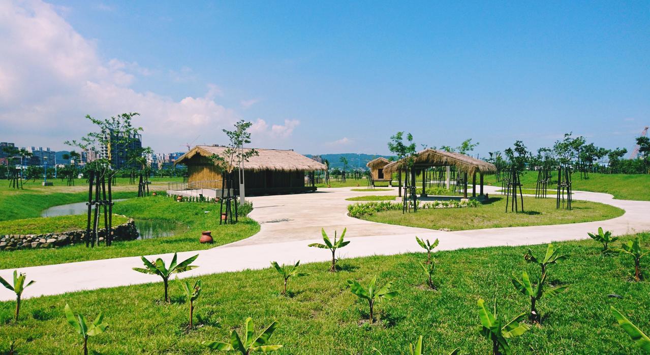 新北考古公園以「都市文史花園」為規畫藍圖,園區以十三行文化為主題,融合考古、教育...