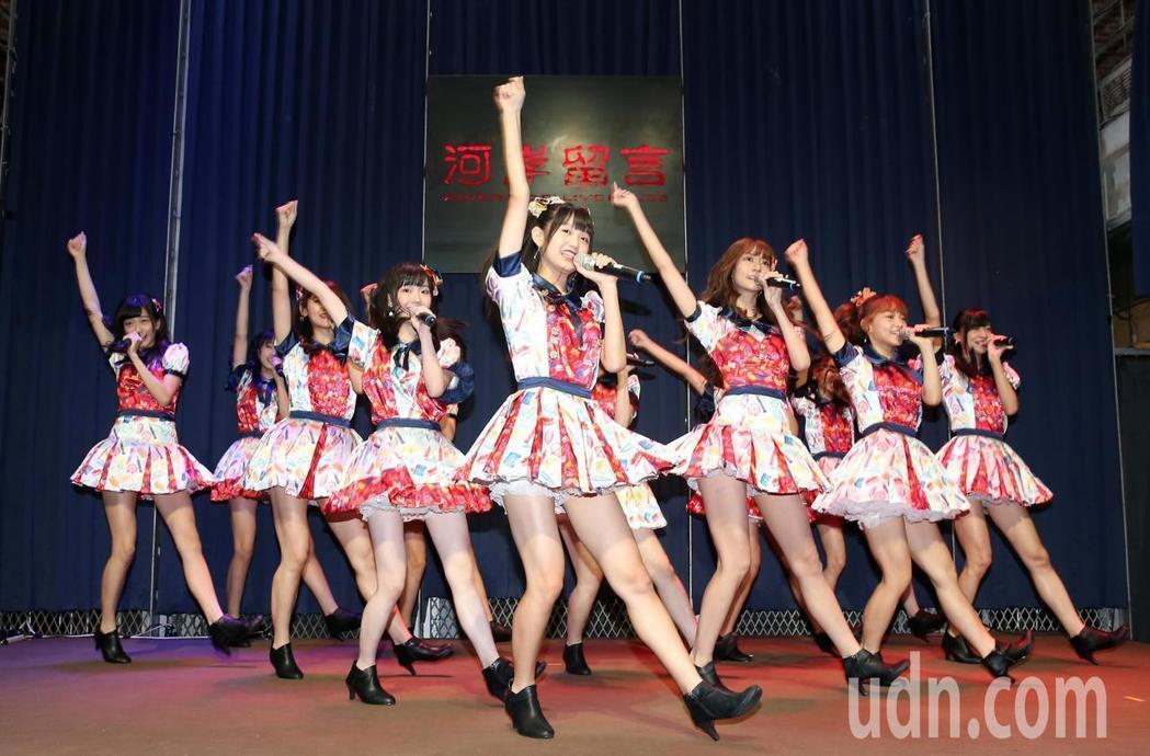 女團「AKB48 Team TP」推出第2張EP。記者林澔一/攝影