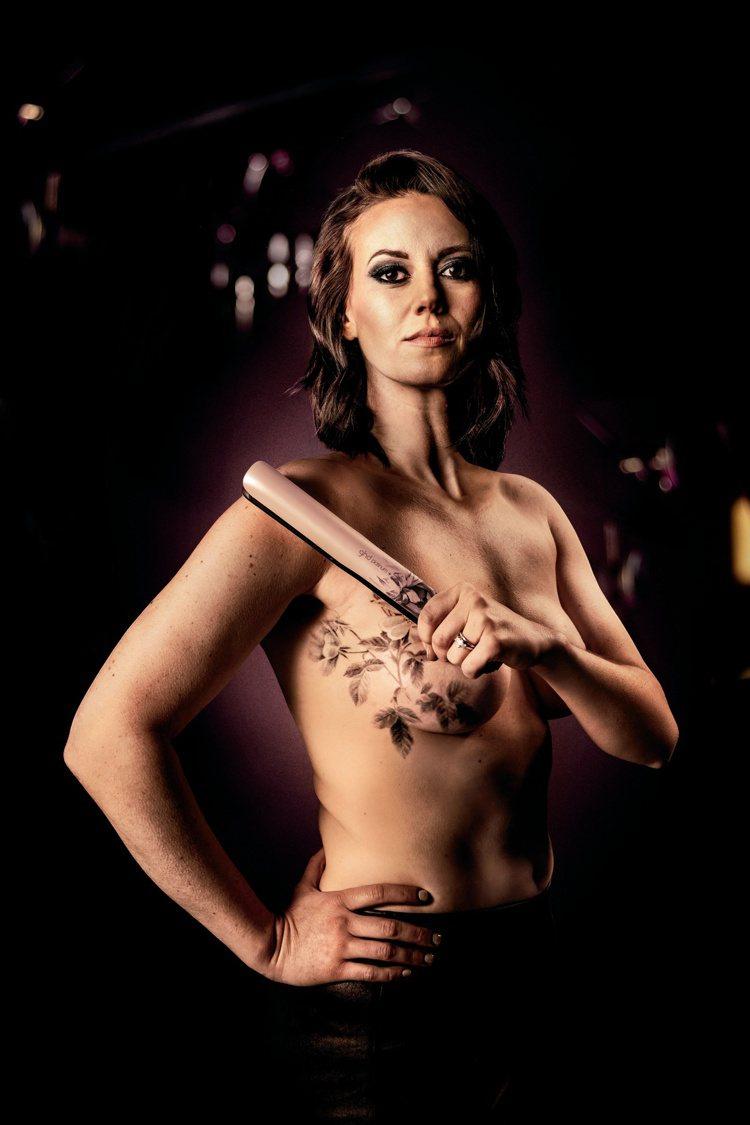 模特兒同時也是乳癌鬥士Grace Lombardo為ghd粉墨限定版獻身展現力與...