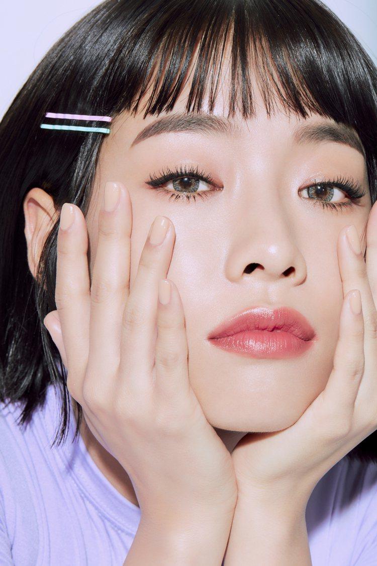 ETUDE HOUSE睫對出色~極限萌翹搶眼睫毛膏讓睫毛維持濃密捲翹狀態。圖/E...