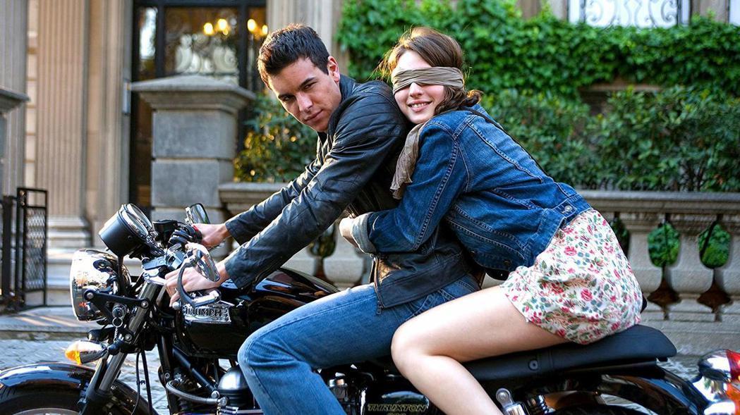 馬里歐卡薩在「壞壞愛」重新詮釋叛逆卻深情的壞男孩,在西班牙大受歡迎。圖/摘自im...