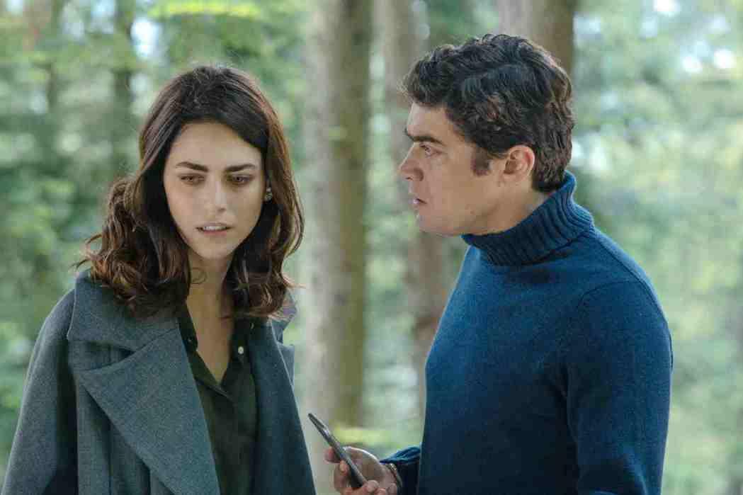 「偵兇」在義大利北部阿爾卑斯山麓拍攝,美景盡收眼底。圖/海鵬提供