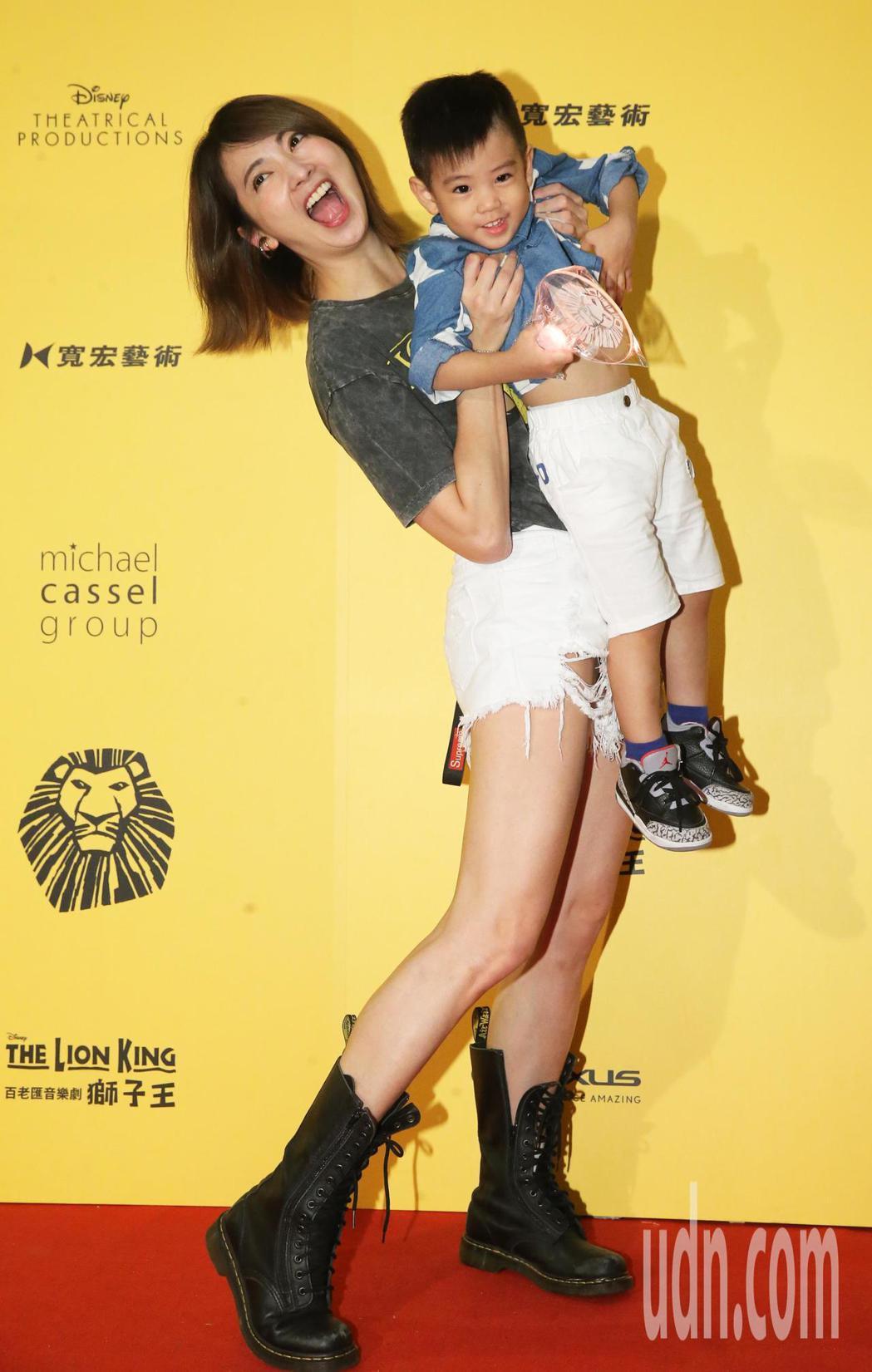 阿喜今晚帶著侄子觀賞音樂劇 《獅子王》。記者徐兆玄/攝影