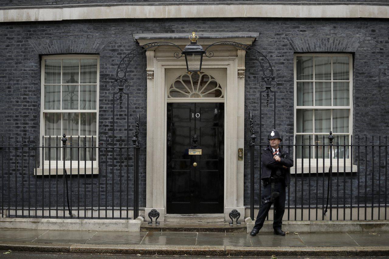 唐寧街10號英國首相官邸外觀。 (美聯社)