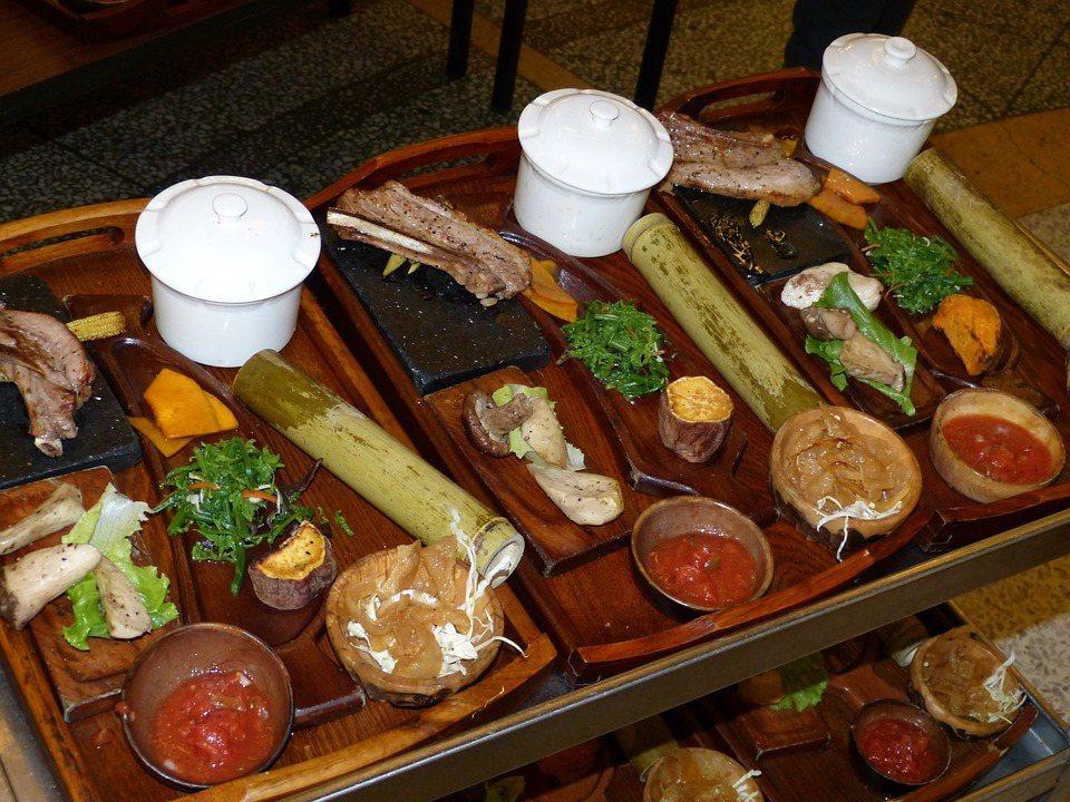 設計原民文化課程,介紹原民食用飲食型態,讓族人從日常認識自身文化。 圖/Pixa...