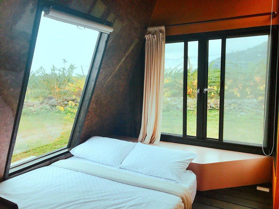 台東「帳篷車」400元入住,周邊大自然環境超舒壓。圖/取自波希米亞露營區臉書粉專