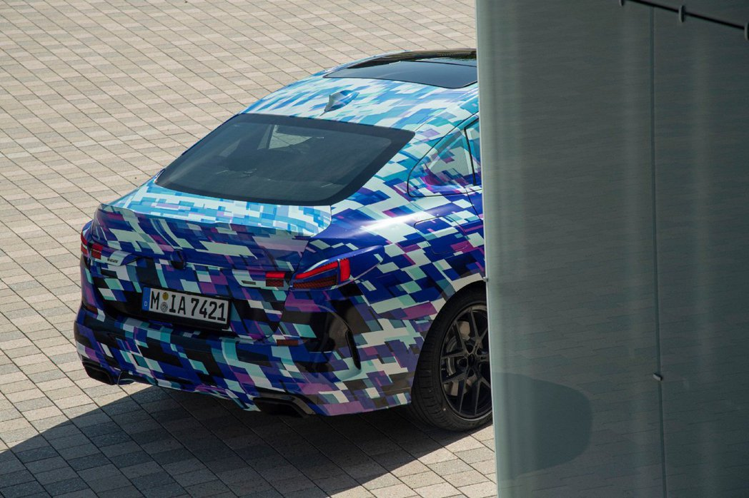 全新BMW 2 Series Gran Coupe (F44) 將於今年底前發表...
