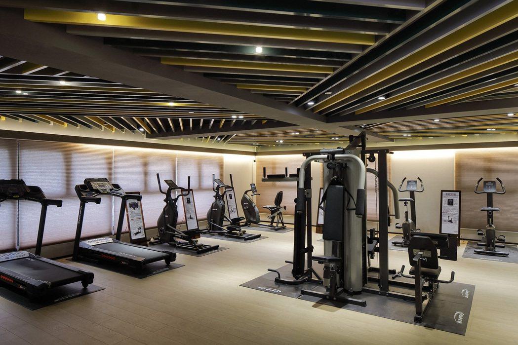健康的人生無價,頂級健身設備、運動就在自家裡。圖片提供/嵩豐建設