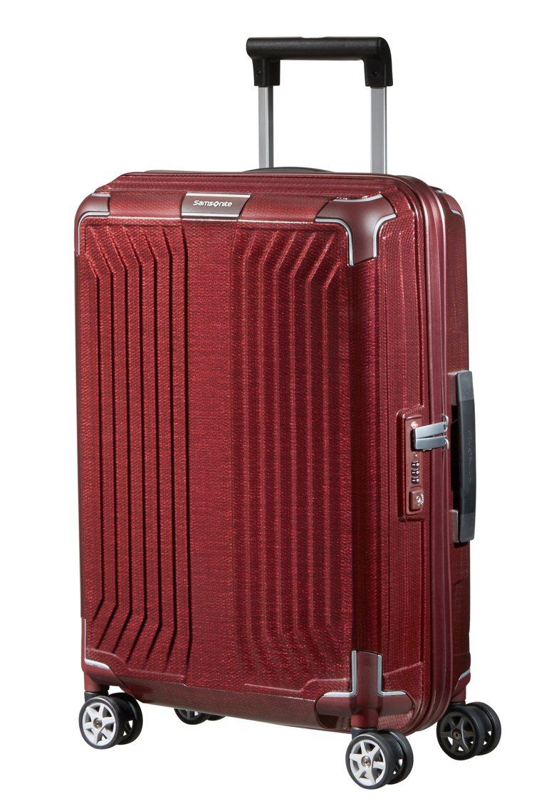 Samsonite Lite-Box系列20吋行李箱,19,200元。圖/Sam...