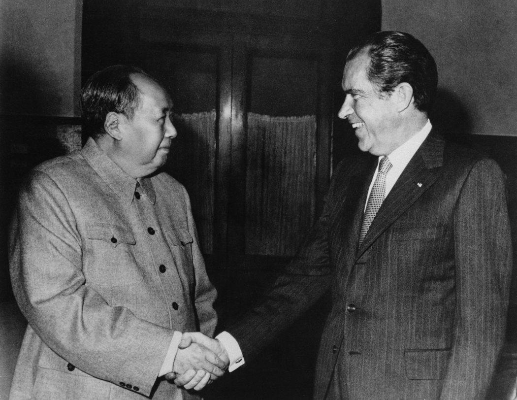 1972年,中共領導人毛澤東與美國總統尼克森歷史性會晤。(維基百科)