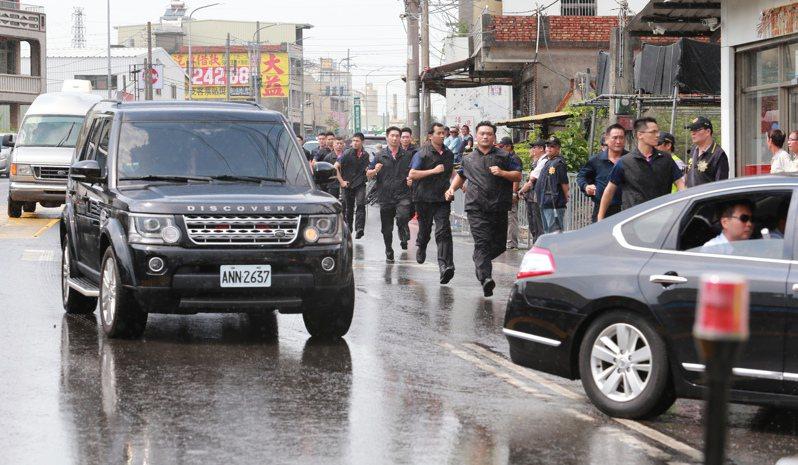 圖為國安局車隊出畫面,與本次車禍無關。本報資料照片