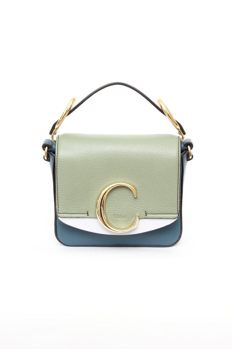 Chloé C骨董綠迷你小方包,售價48,500元。圖/Chloé提供
