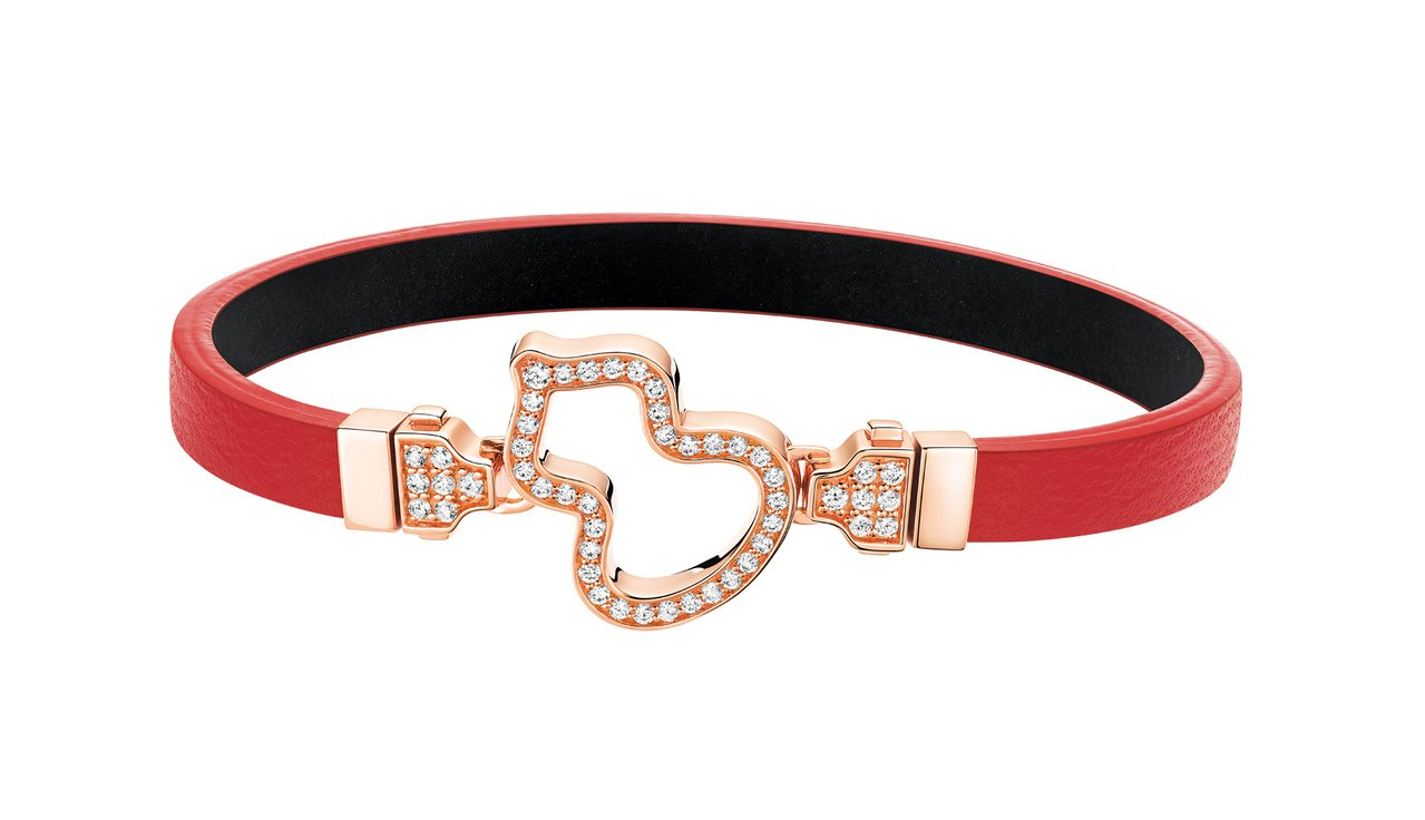 Qeelin Wulu紅色牛皮百變手環,64,500元。圖/Qeelin提供