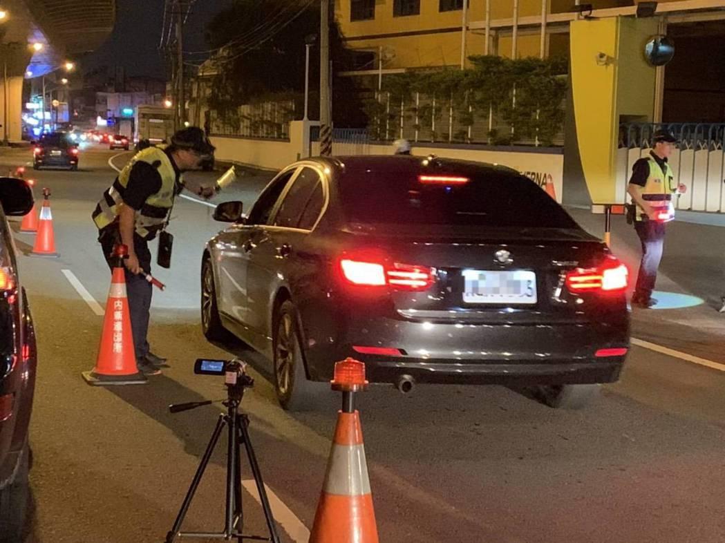 7月1日起酒駕修法重罰上路,台中市警局統計迄今取締酒後駕車750件,25天累積罰...