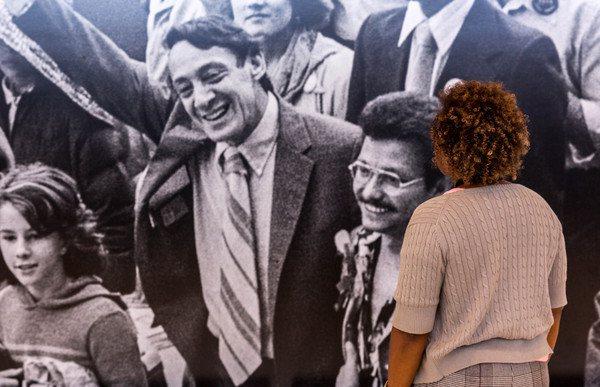 哈維米爾克在推動美國LGBT權益上,是相當具有代表性人物。圖/舊金山機場提供
