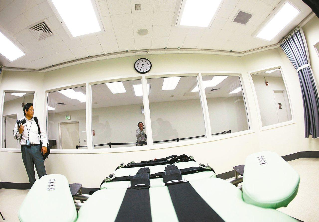 圖為加州注射處死行刑室。 美聯社
