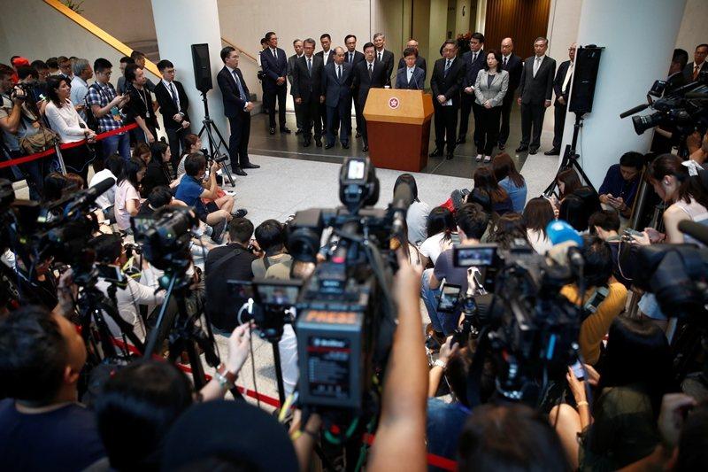 7月22日,特首林鄭月娥於元朗襲擊事件發生後召開記者會。 圖/路透社