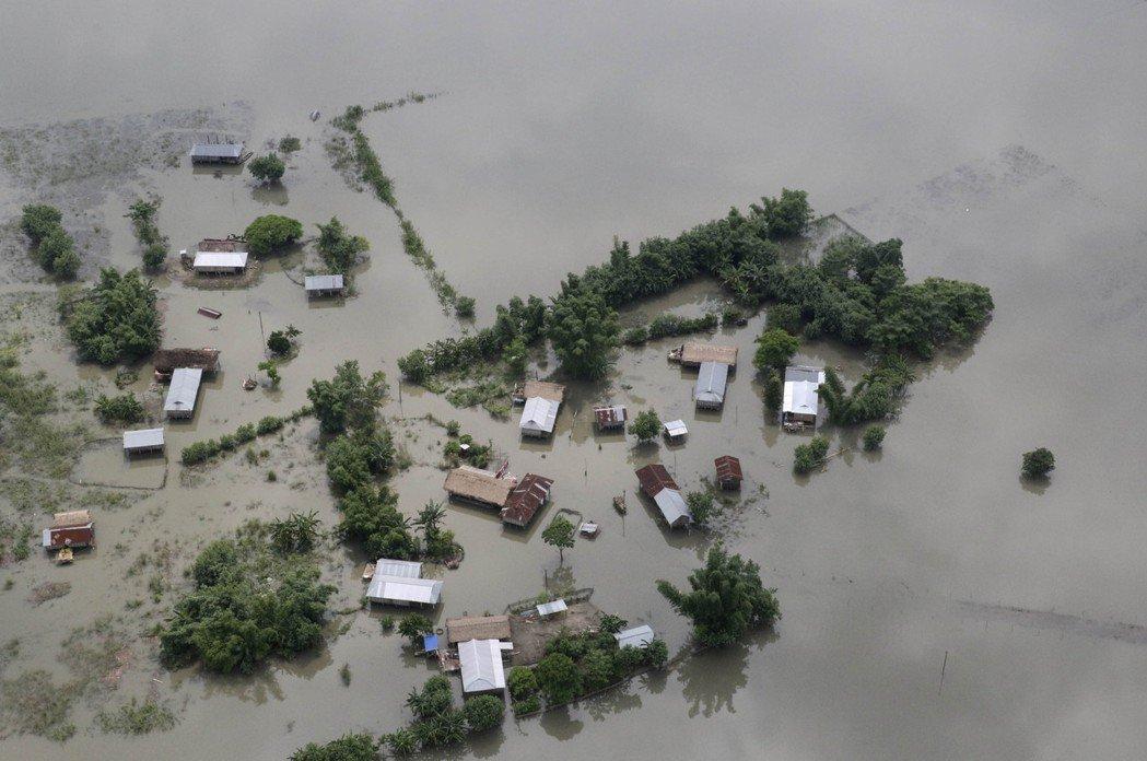 自今年7月以來,南亞四國正遭遇雨季的「滅世洪災」。截至23日的最新官方數據,包含...