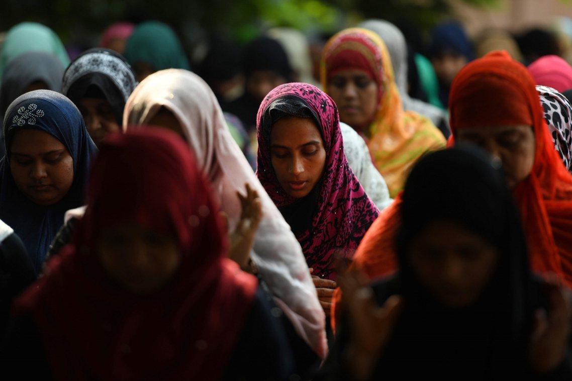 印度婦女自殺人數居全球之冠——全世界自殺女性中,有37%來自印度。從母親墮胎殺女...