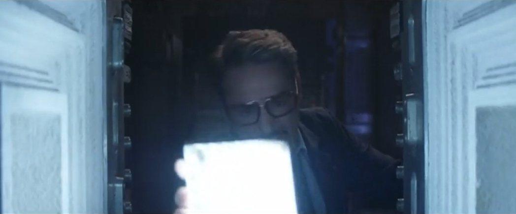 漫威25日釋出「復仇者聯盟:終局之戰」拍攝期間的搞笑NG漏網鏡頭。畫面來源:WA...