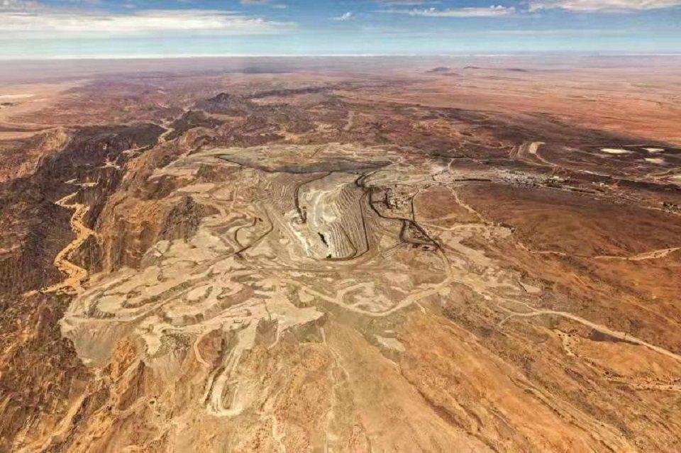 中核集團控股世界第四大產能鈾礦「納米比亞羅辛鈾礦山」。圖/中核集團
