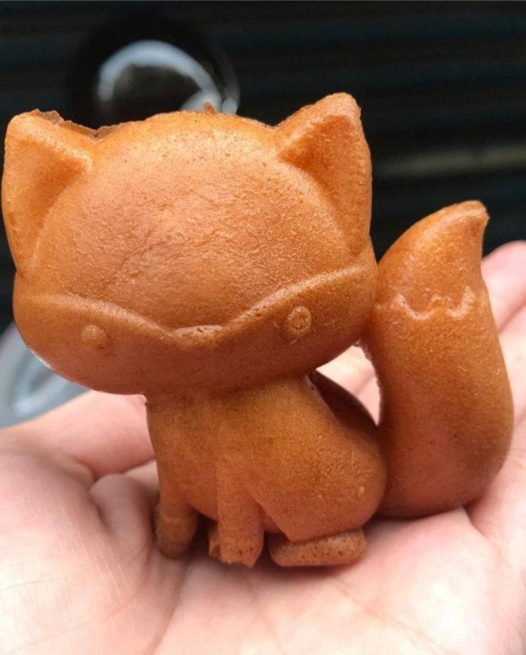 這麼可愛的狐狸雞蛋糕,當然要「相機食先」。IG @minchihchang提供