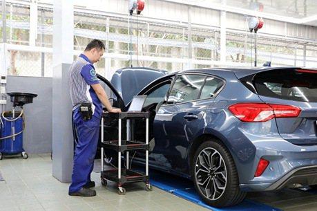 不再是黑漆漆工廠樣貌! Ford 全新服務廠創造顧客升級體驗