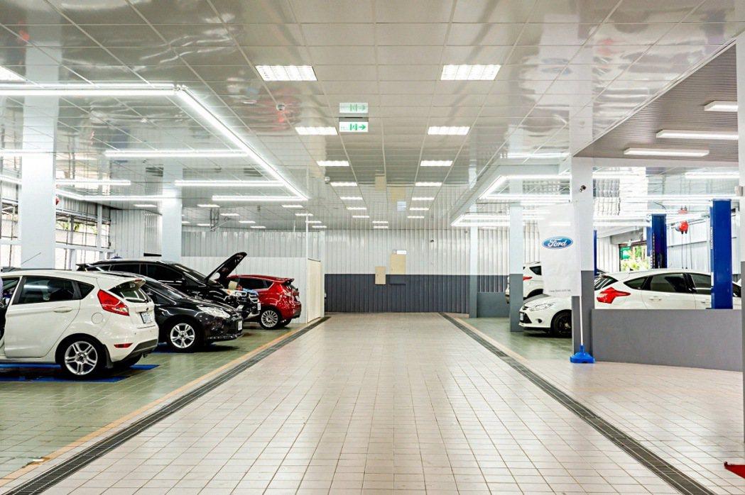 全新Ford塔悠服務廠養護區可容維超過20輛Ford汽車預備及進行養護工序,帶來...