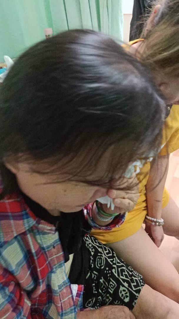 癌母不捨醫師出國進修落淚。圖/取自爆怨公社