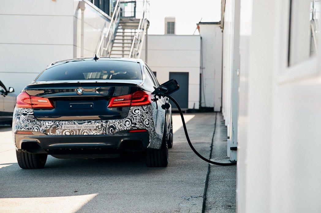 BMW 5 Series Power BEV純電測試車採用品牌第五代電力驅動裝置...