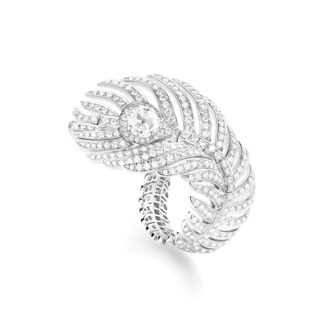 寶詩龍Plume de Poan孔雀羽毛系列鑽戒,138萬元。圖/寶詩龍提供